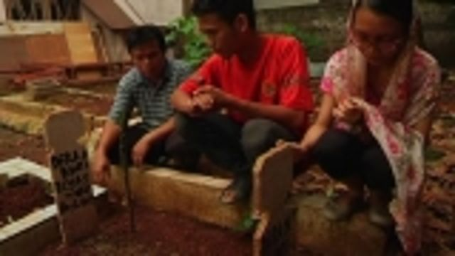 News video: Indonesia healthcare buckling under strain